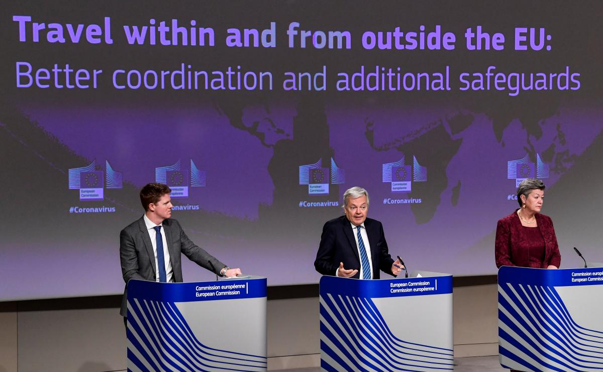 Государства-члены ЕС должны требовать у всех путешественников предоставить отрицательный ПЦР-тест / фото REUTERS