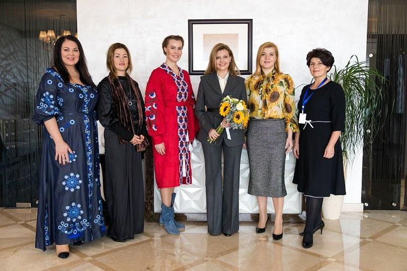 Брючный костюм / instagram.com/olenazelenska_official
