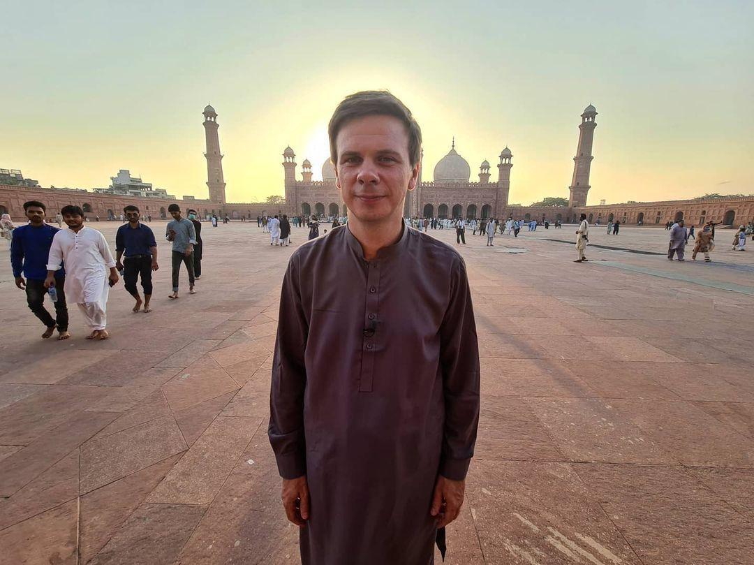 Комаров отправился в Пакистан / instagram.com/komarovmir
