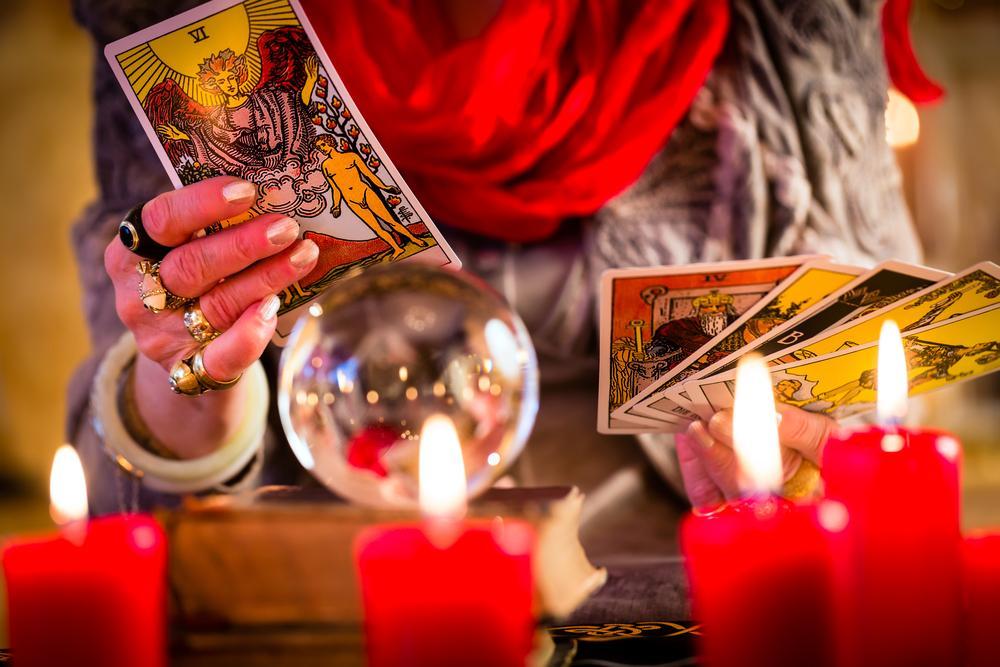 Гороскоп на октябрь для всех знаков / фото ua.depositphotos.com