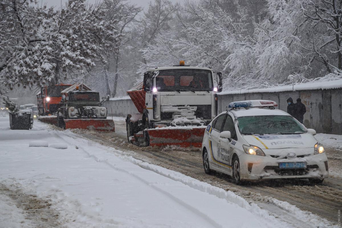 """""""Укравтодор"""" рассказал о борьбе со снегом на дорогах / фото Dumskaya.net"""