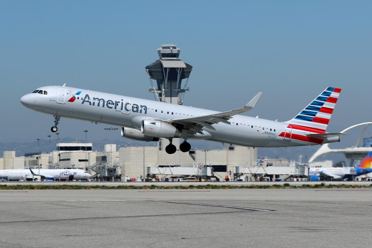 Набрали чинності нові правила щодо карантинних обмежень для всіх пасажирів, які подорожують авіатранспортом до США / фото REUTERS