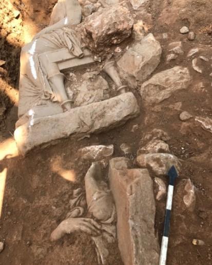 Статуї знайшли під час розкопок при будівництві ратуші / фото culture.gov.gr