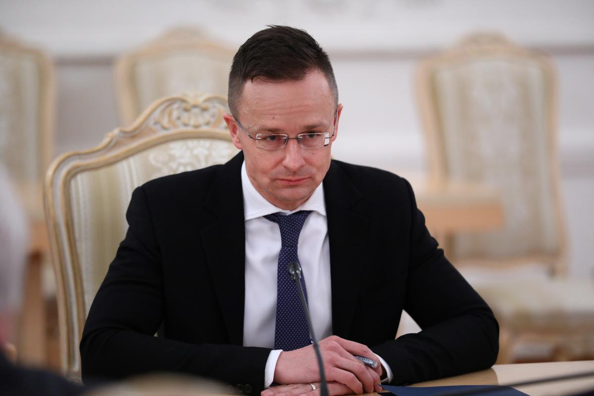 Сійярто каже, що угорці зацікавлені у вирішенні конфлікту на Донбасі / фото REUTERS