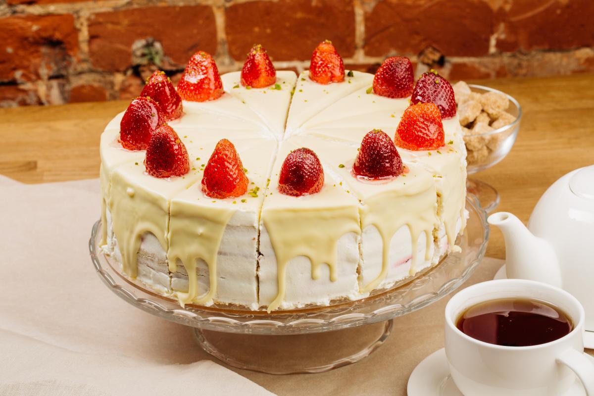 "Рецепт торта ""Молочна дівчинка"" / фото ua.depositphotos.com"