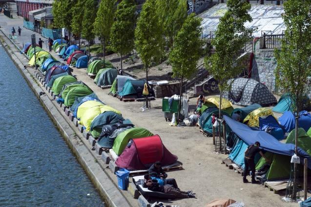 Прикмета сучасного Парижа – полчища біженців