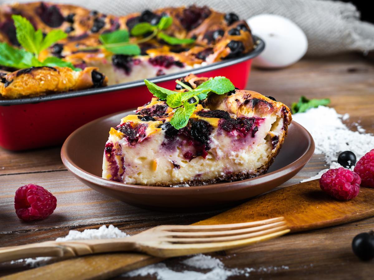 Рецепт творожной запеканки с ягодами / фото ua.depositphotos.com