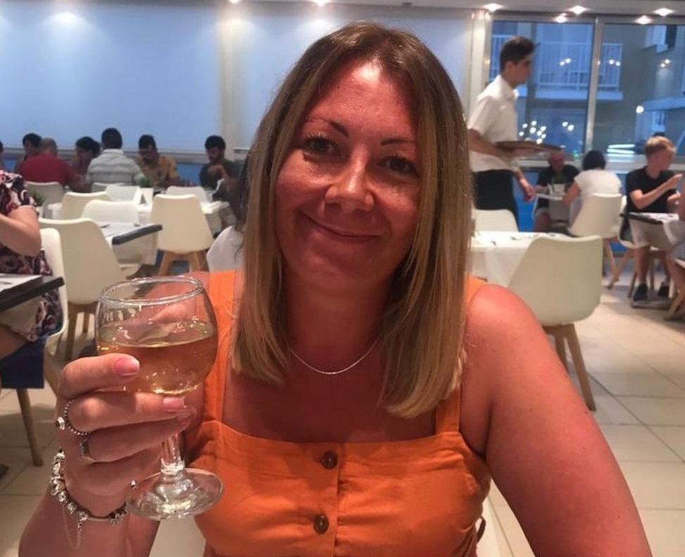 Коронавирус - британка после коронавируса шокировала подробностями расстройства обоняния: воняет все / bbc.com