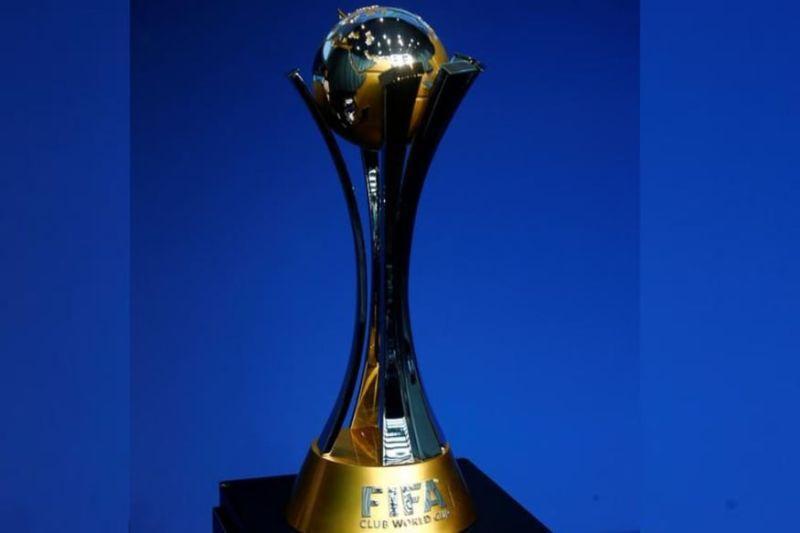 Трофей Клубного чемпионата мира / фото REUTERS