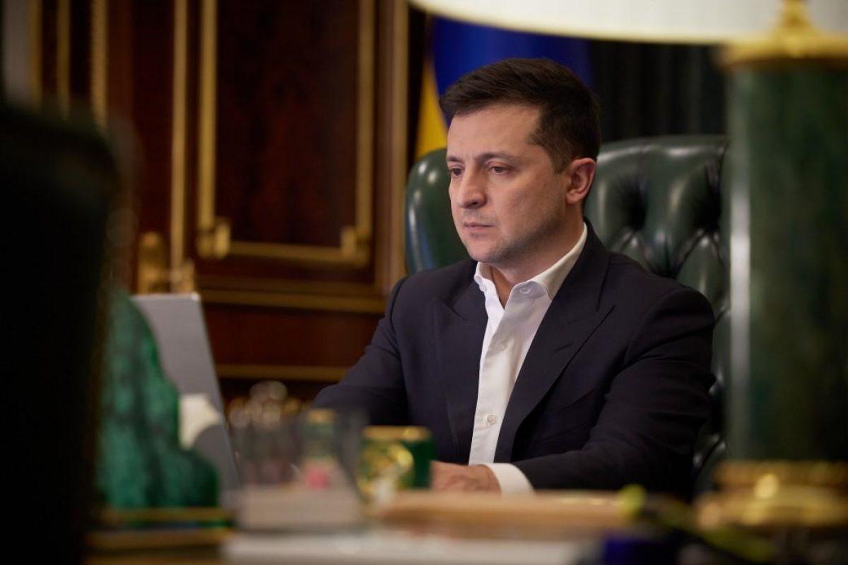 Зеленский заявил, что готов поговорить с Байденом перед его встречей с Путиным