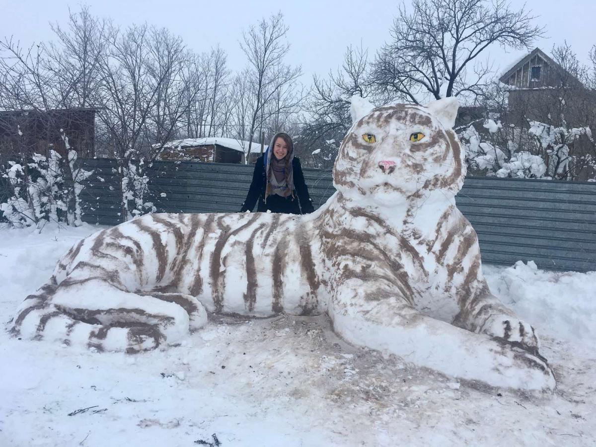 Длина снежной скульптуры превышает пять метров/ фото FacebookВладимир Петрушев