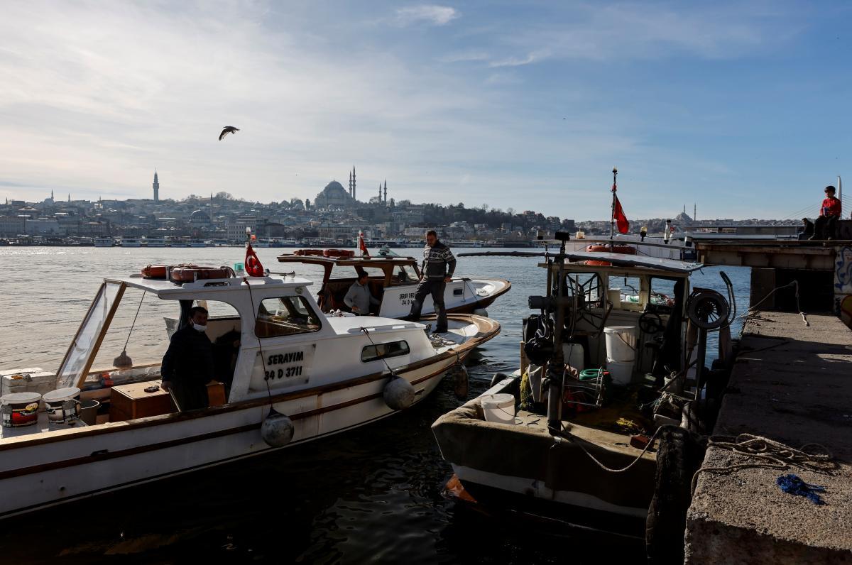 Прогулки по Босфору сейчас доступны только в будние дни / фото REUTERS