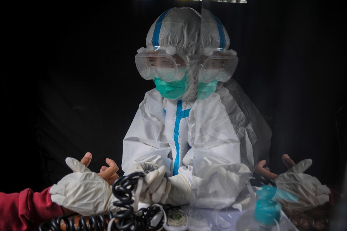 Коронавирус - ВОЗ дала новые предостережения относительно британского штамма / REUTERS