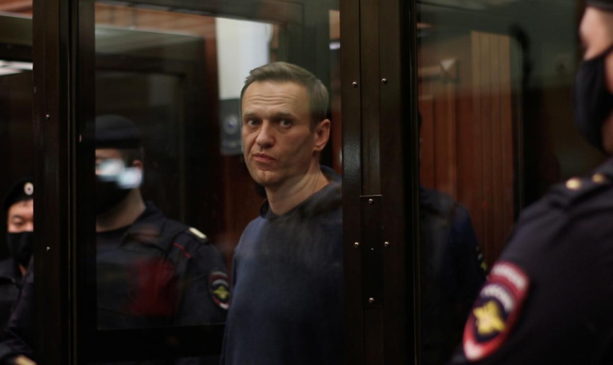 Российский суд отправил Навального в тюрьму почти на три года / фото REUTERS