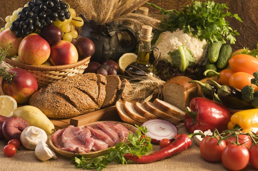 По прогнозам экспертов, вскоре в Украине возрастетстоимость хлеба, овощей борщового набора, муки, подсолнечного масла и бакалеи / фото ua.depositphotos.com