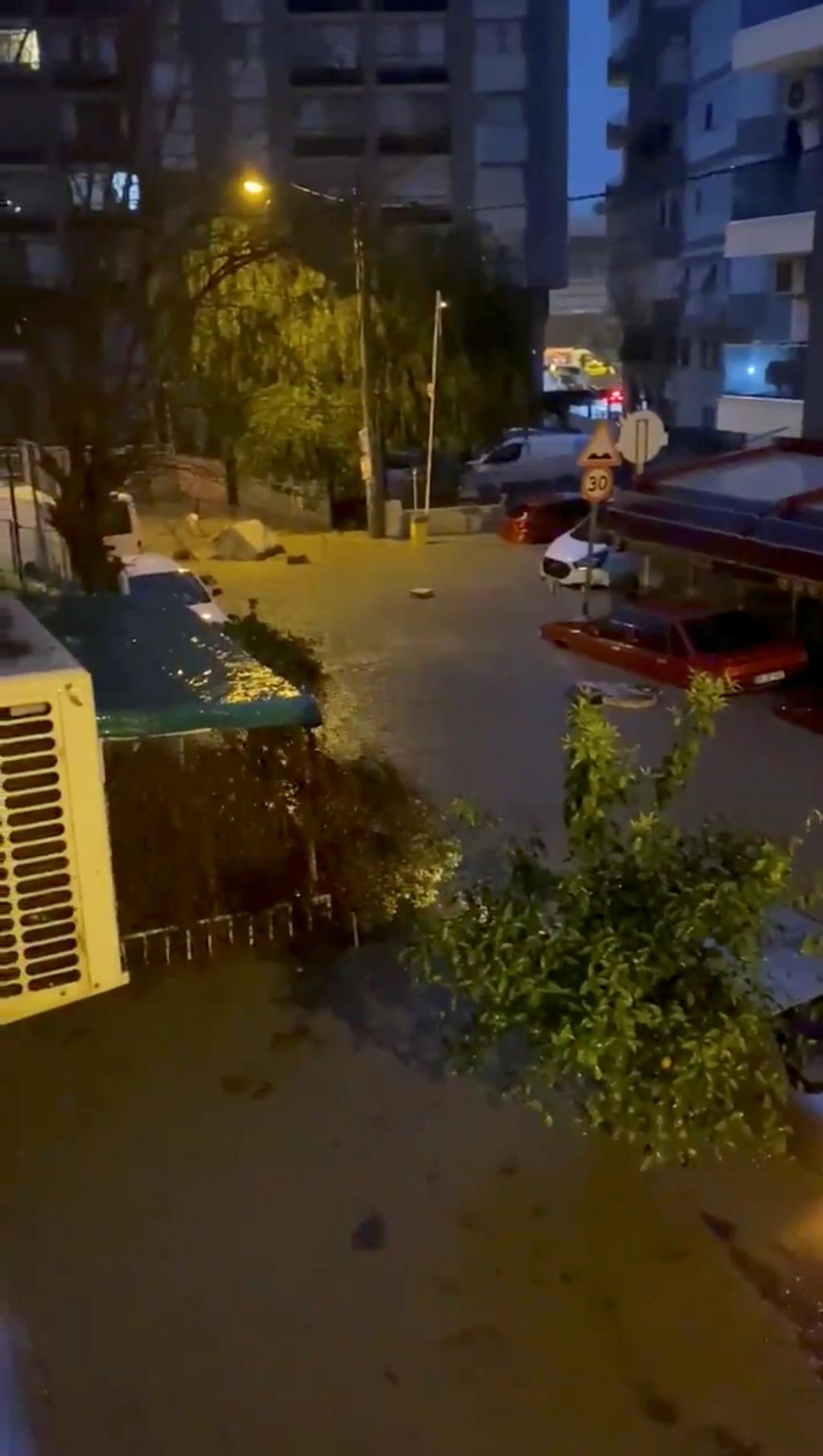 Ливни затопили турецкий город / Фото REUTERS