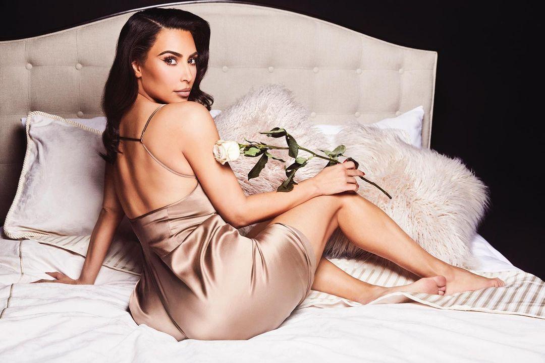 """В молодости она была """"отвязной девчонкой"""" / фото - instagram.com/kimkardashian"""