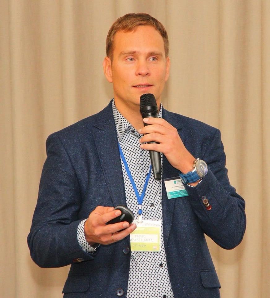 """""""Пацієнтам із хронічними захворюваннями слід тримати контакт з лікарем"""", - Тарас Жиравецький / фото facebook.com/zhtaras"""