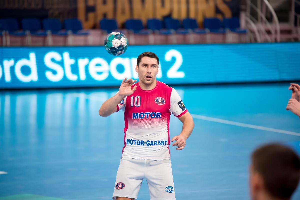 Борис Пуховский - один из лидеров Мотора / фото handball.motorsich.com