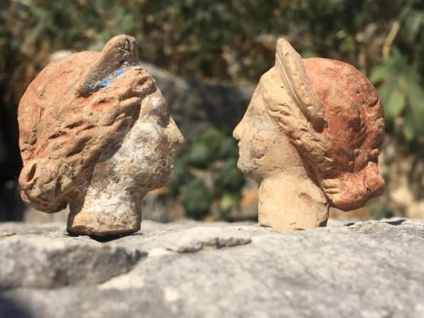 Найденные фигурки изображают людей и богов / Myra Andriake Excavations Archive/Nevzat Çevik