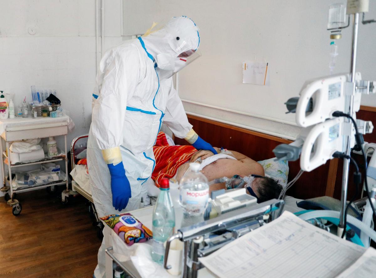 Коронавирус влечет за собой тяжелые последствия для больных / REUTERS