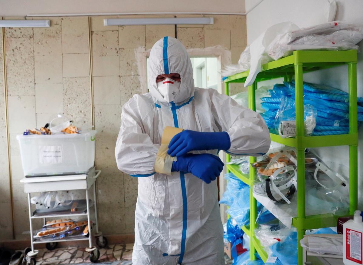 Ukraine hits this year's high in new COVID-19 cases / REUTERS