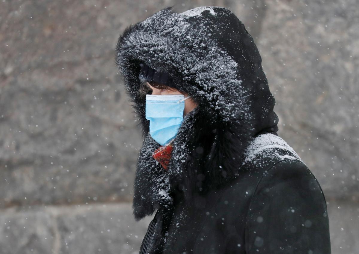 Еще 2,6 тысячи случаев COVID-19 обнаружили в Украине / фото REUTERS