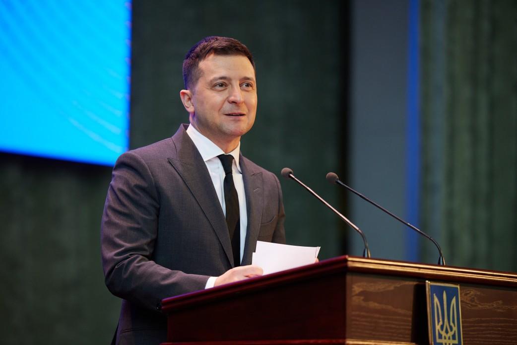 Зеленскому доверяют 43% опрошенных / фото president.gov.ua