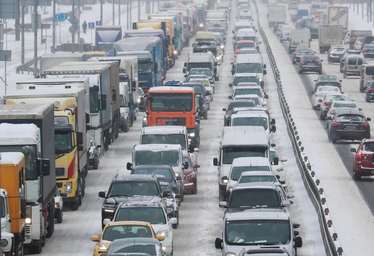 Пробки в Киеве - ситуация на дорогах Киева 4 марта - как объехать пробку / REUTERS