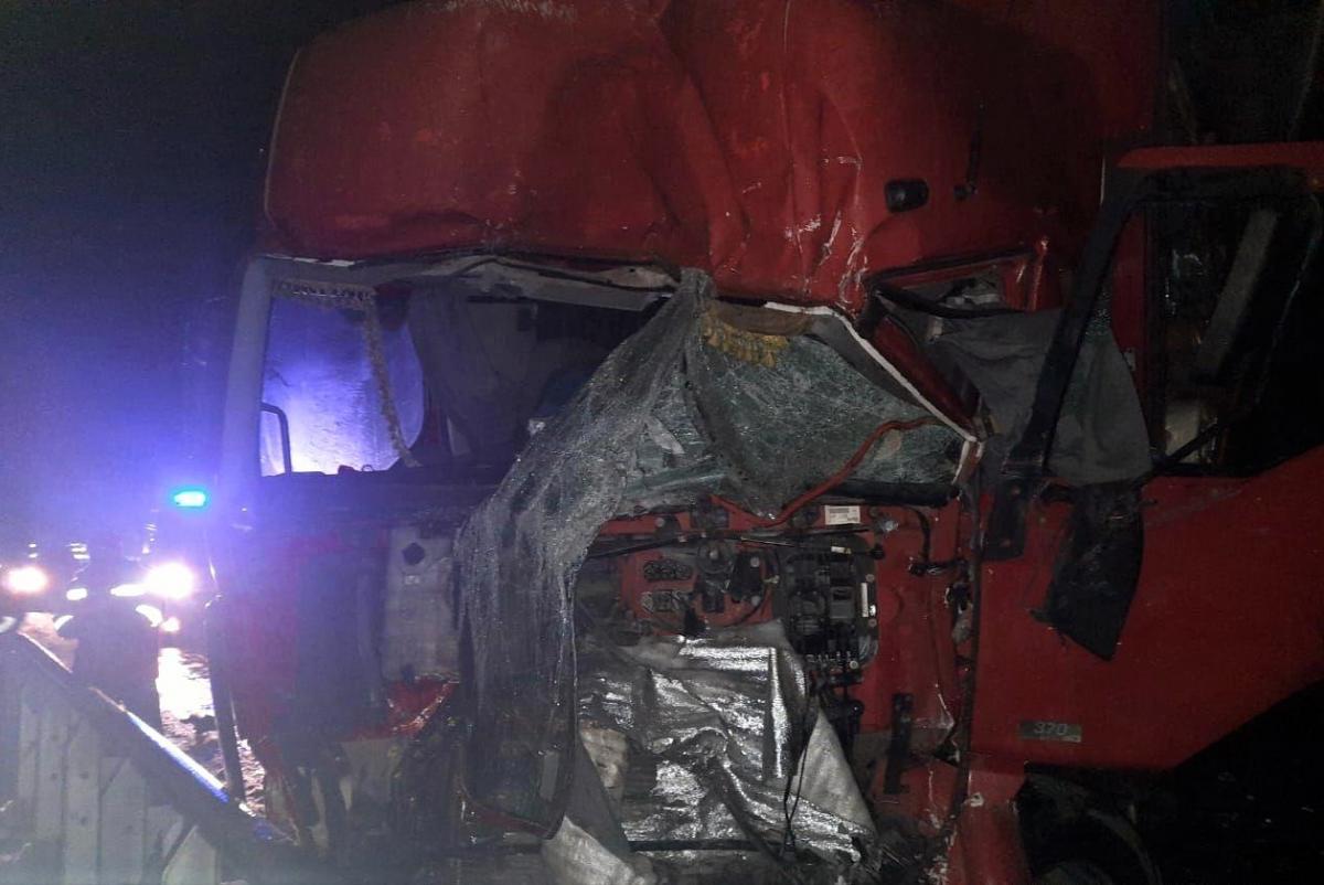 Оба водителя погибли, тела пришлось доставать спасателям / фото полиция Полтавской области