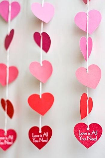 Гирлянда из валентинки / фото pinterest.com