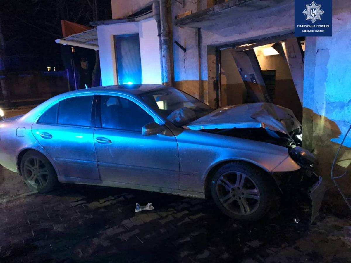 Никто из жителей дома не пострадал / фото patrol.police.gov.ua
