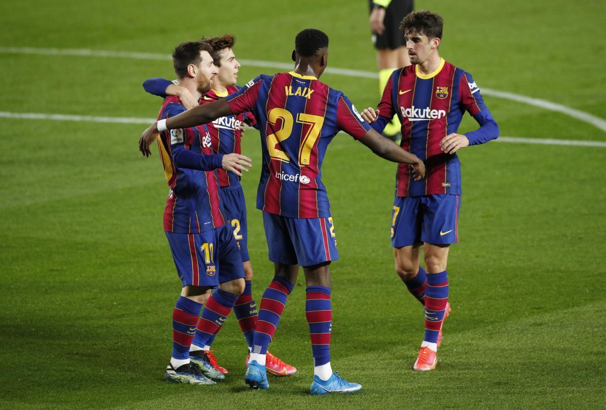 Игроки Барселоны / фото REUTERS
