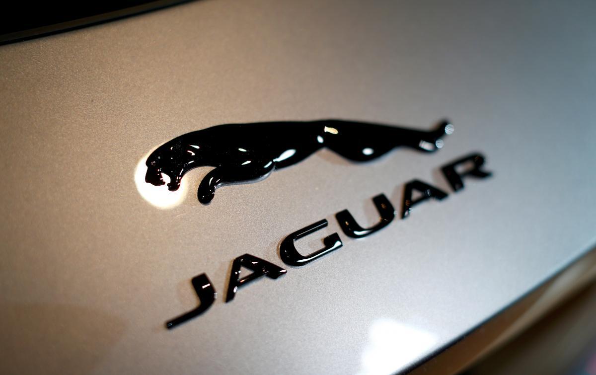 Jaguar прекратит производство бензиновых и дизельных автомобилей / фото REUTERS