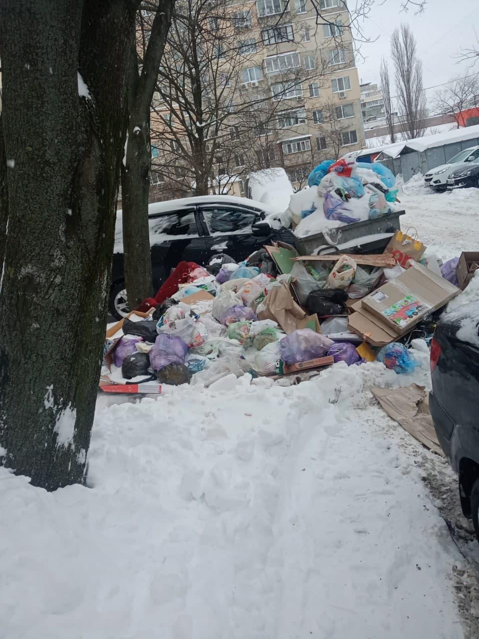 Мусор на Оболони, ул. Архипенко / Киев без цензуры