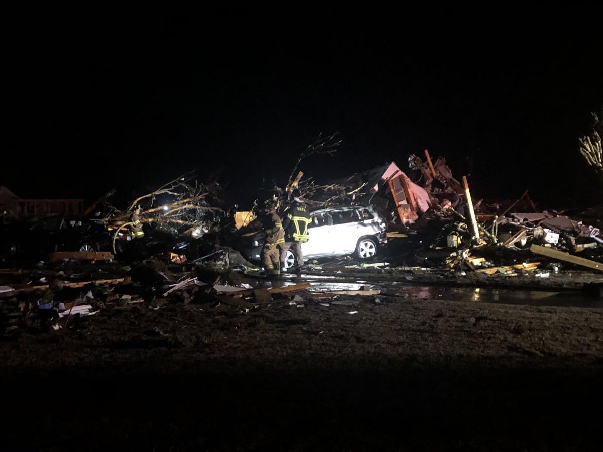 Из-за торнадо погибли три человека / Фото Twitter: @tanner_barth