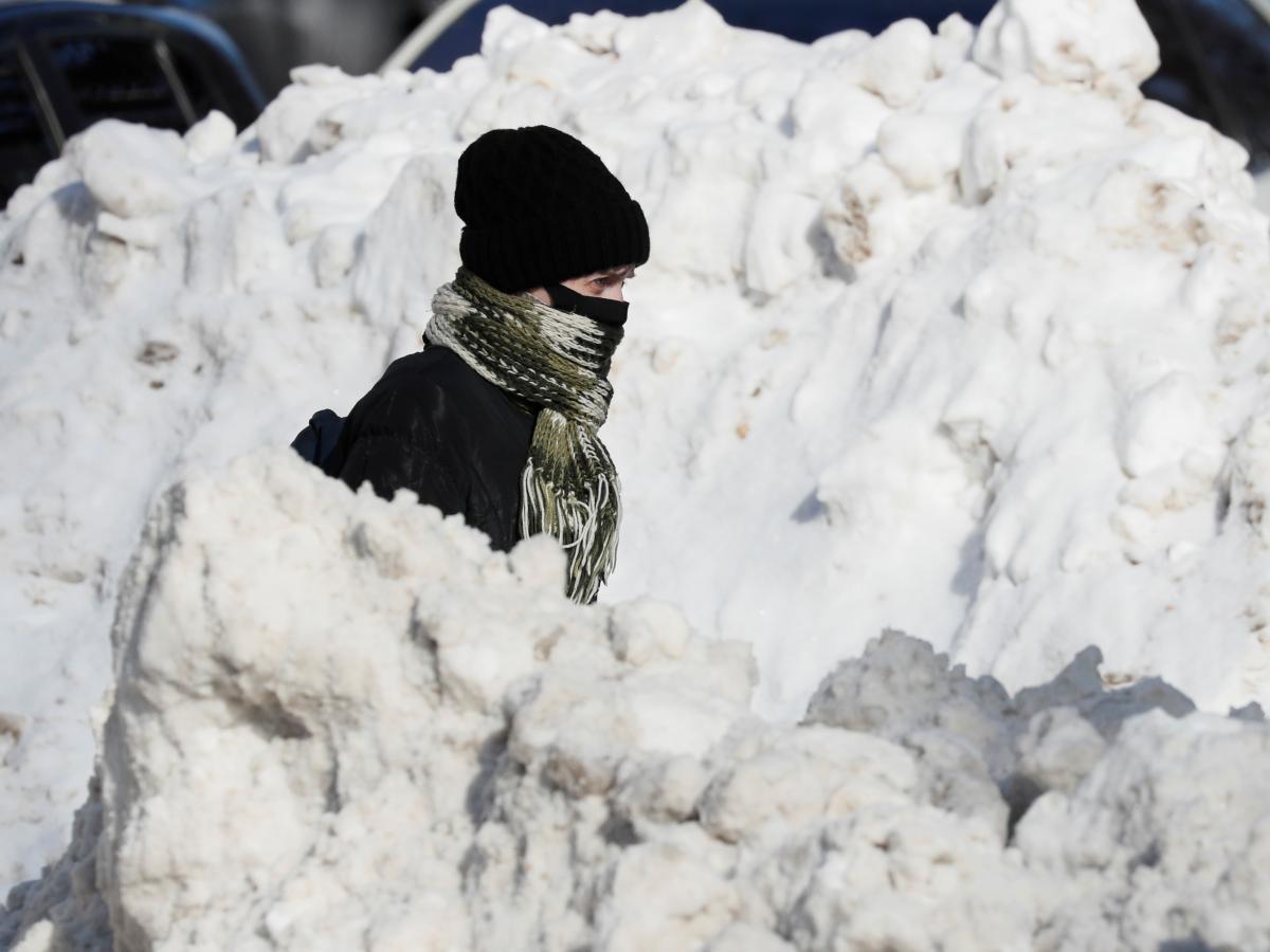 Украина возвращается к адаптивному карантину со следующей недели - Шмыгаль / Фото: REUTERS