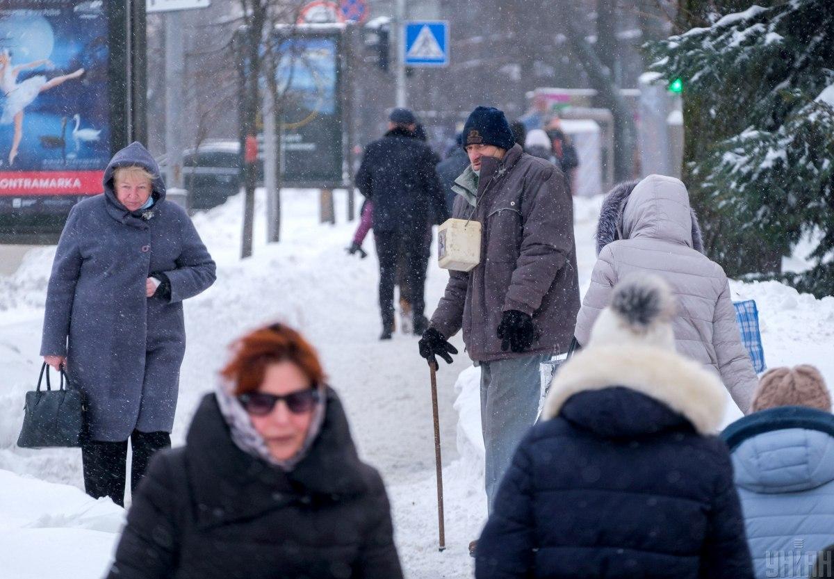 Коронавірус новини - добовий показник зареєстрованих хворих в Україні знову високий / УНІАН