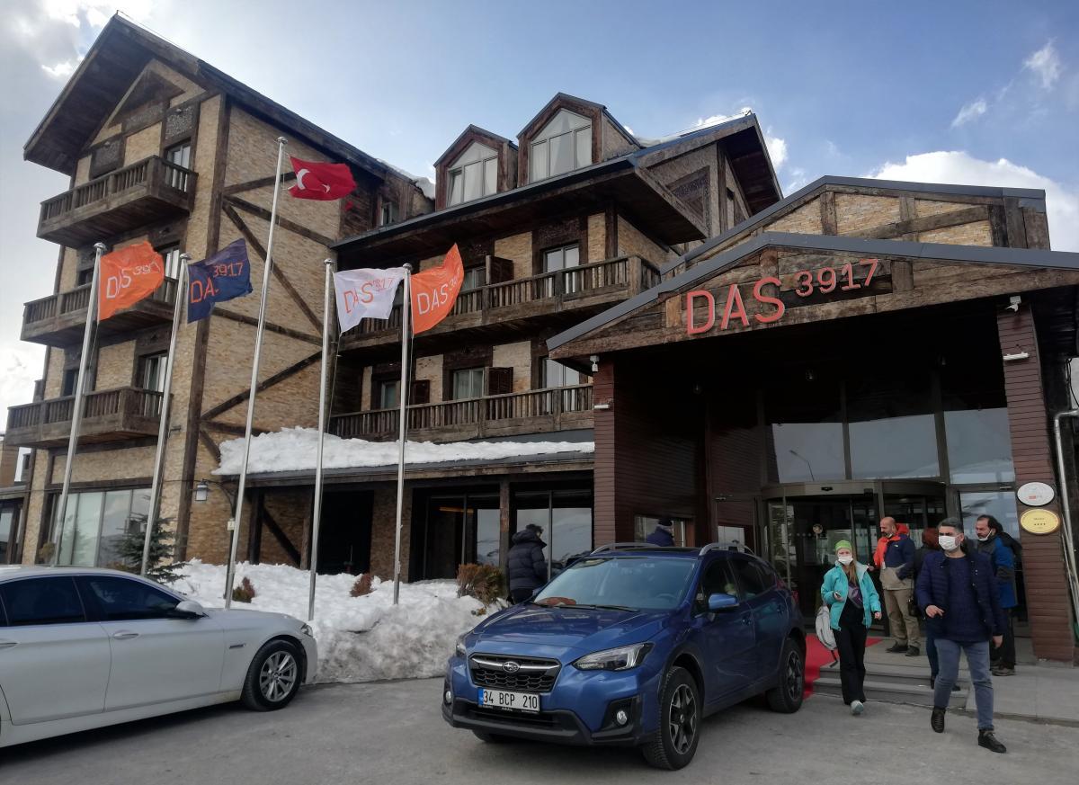 Один з готелів безпосередньо на горі Ерджіяс / фото Марина Григоренко