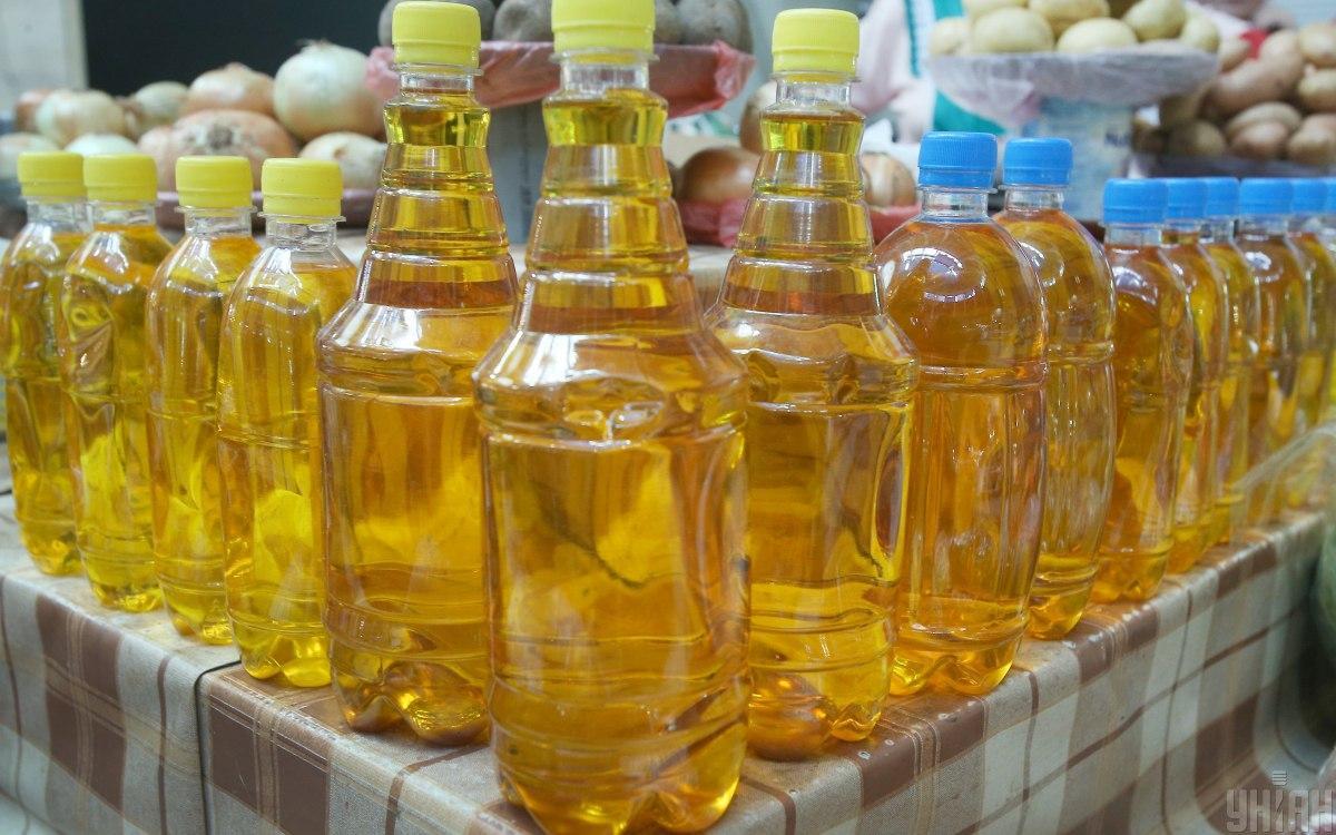 Середня ціна соняшникової нерафінованої олії зросла на 46% / фото УНІАН, Олександр Синиця