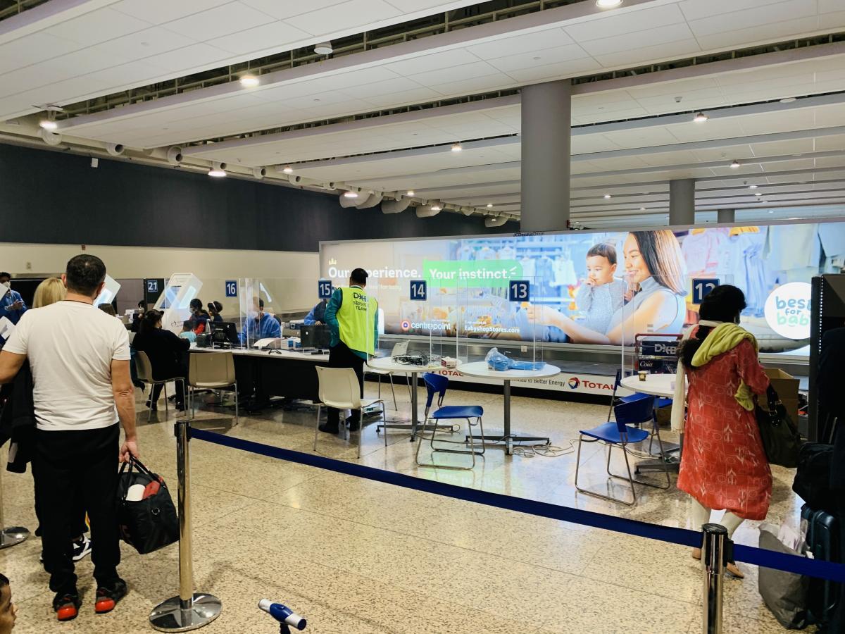Анализы на коронавирус в Дубае берут у всех туристов – бесплатно / фото автора