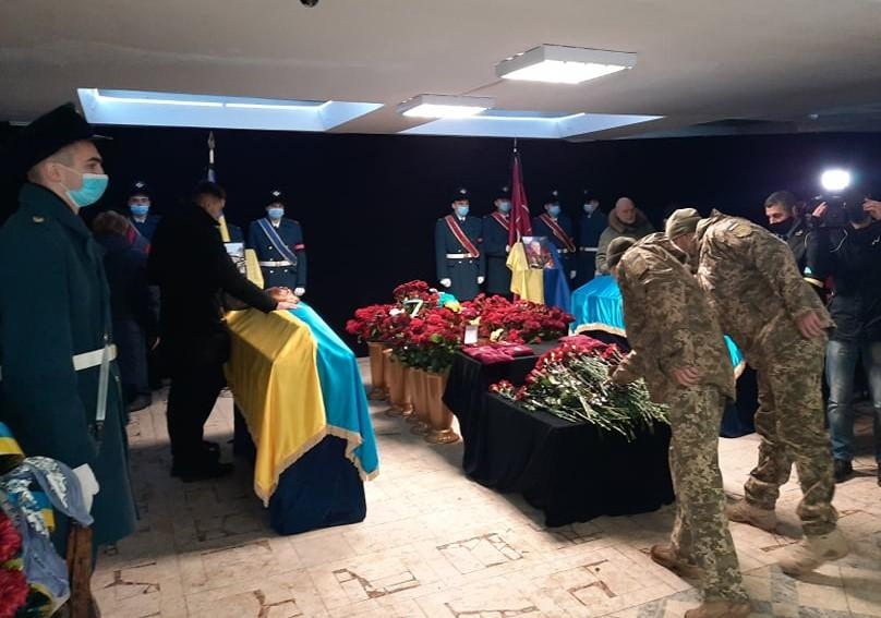 Церемония прощания прошла в городском дворце культуры Кременчуга / фото kremen.gov.ua