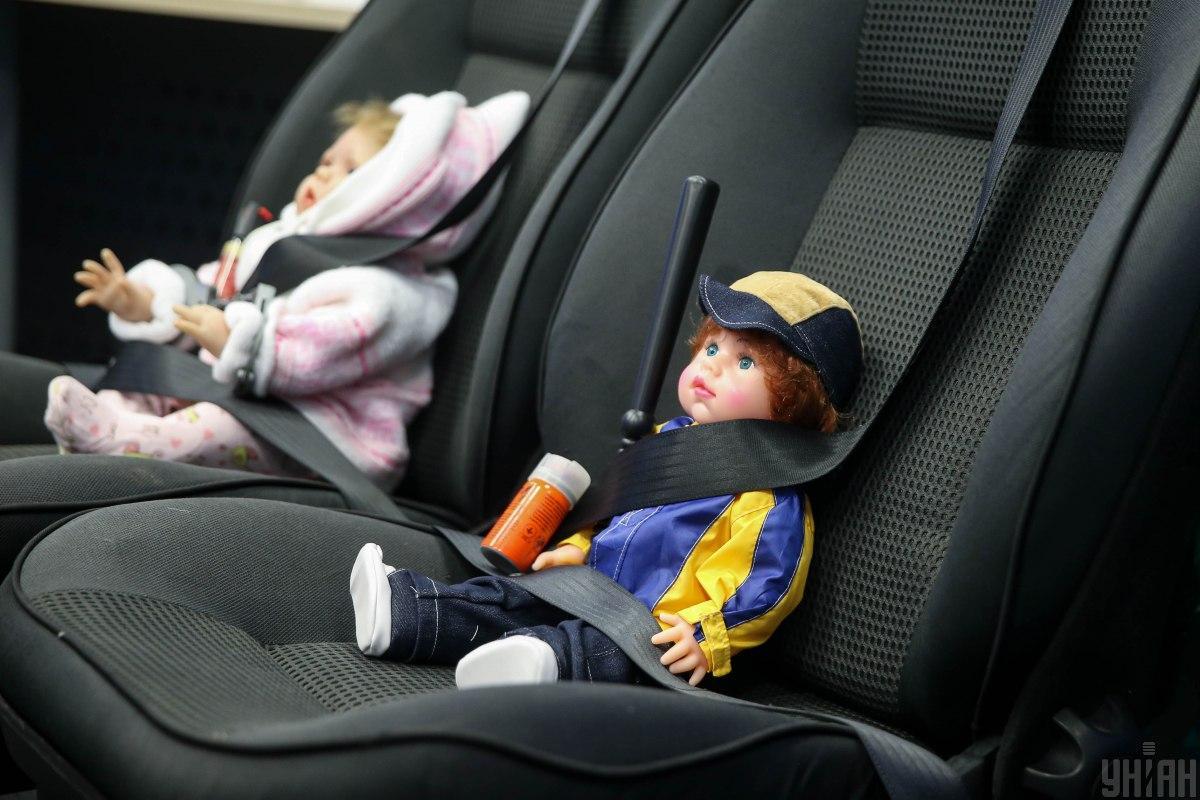 За відмову везти дитину без спецкрісла таксиста душили,били по голові та тілу / фото УНІАН, В'ячеслав Ратинський