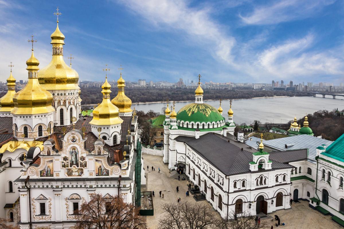 20 квітня церква вшановує пам'ять мучеників Руфіна і Акилини / фото ua.depositphotos.com