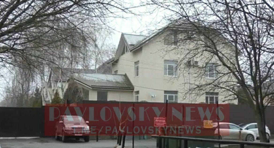 Януковича вдома не виявилося / фото PavlovskyNews