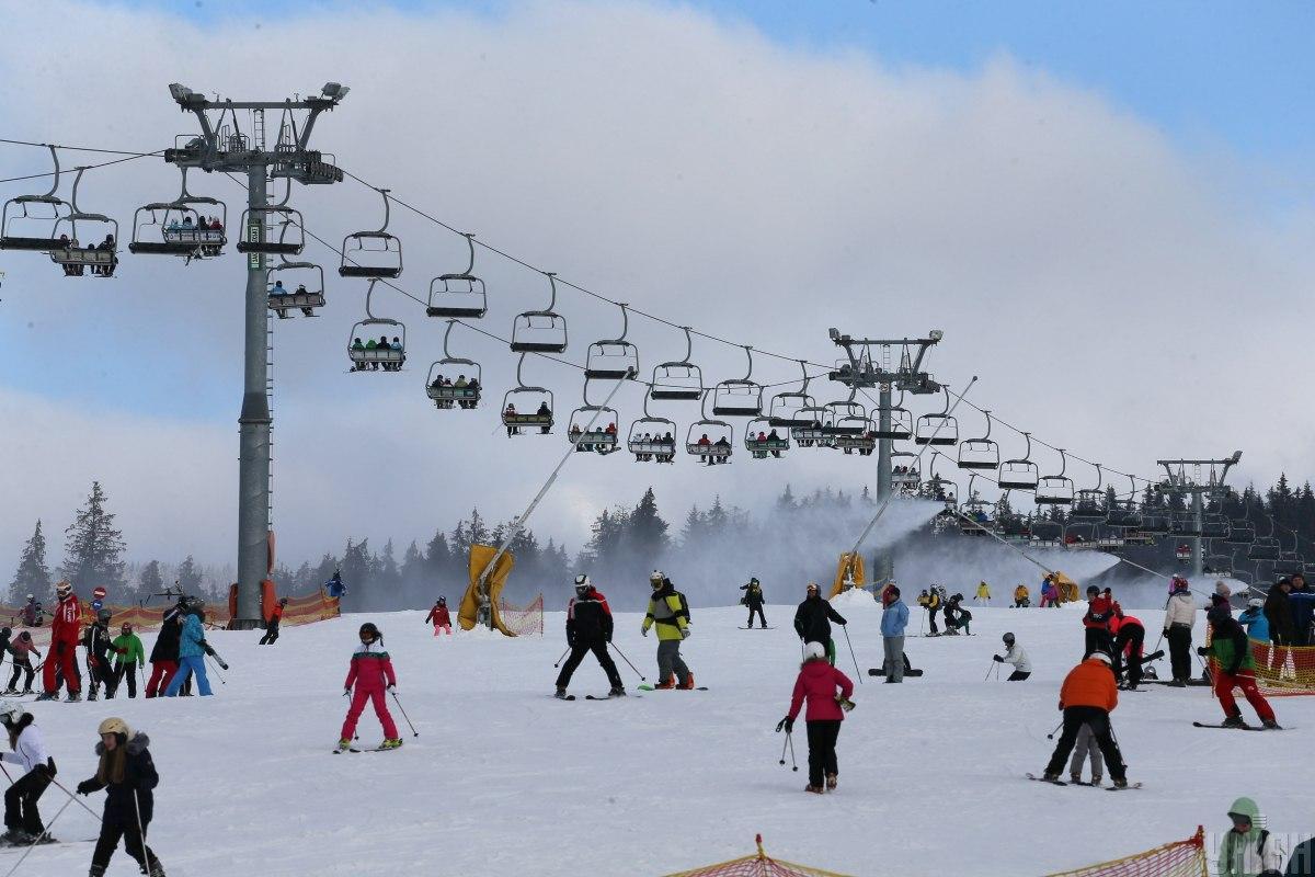Карпатські ґазди і ґаздиніназвали ціни на майдутній зимовий сезон / фото УНІАН