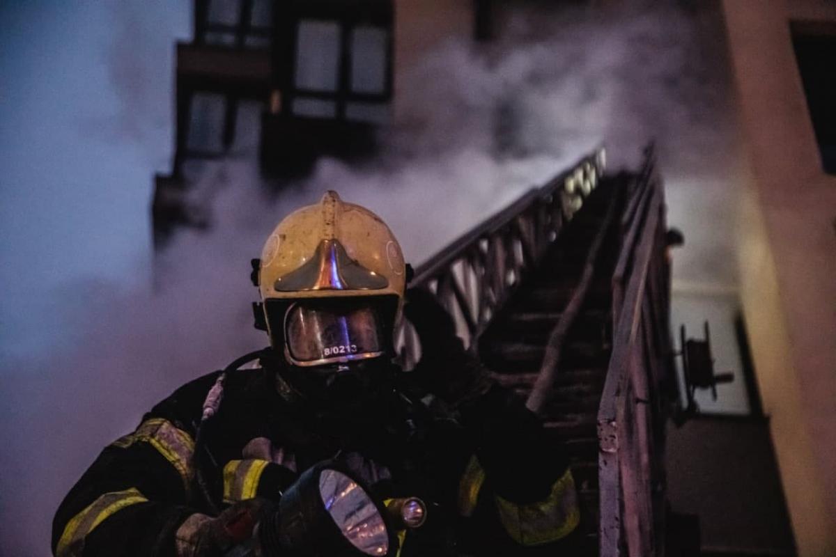 У Львові внаслідок пожежі у квартирі загинули двоє людей / фото ДСНС України