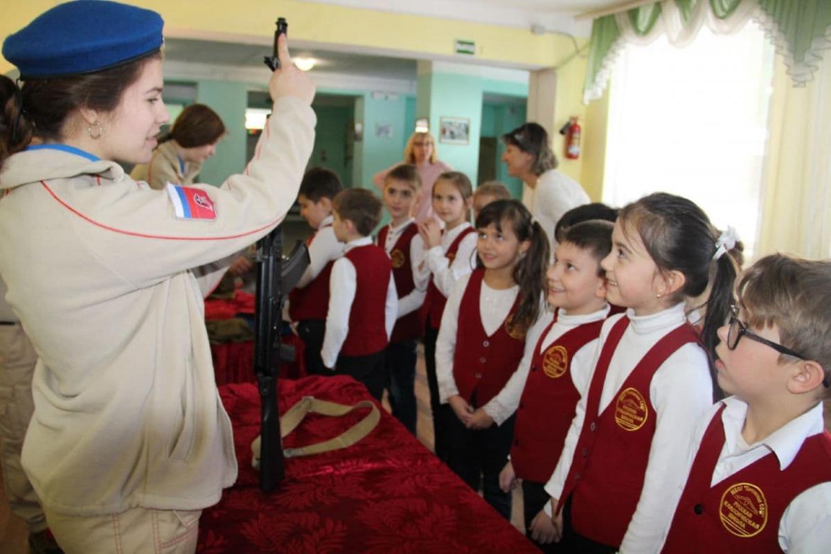 Росіяни поширюють пропаганду і на школярів молодших класів / фото Анатолій Штефан (Штірліц) / Telegram