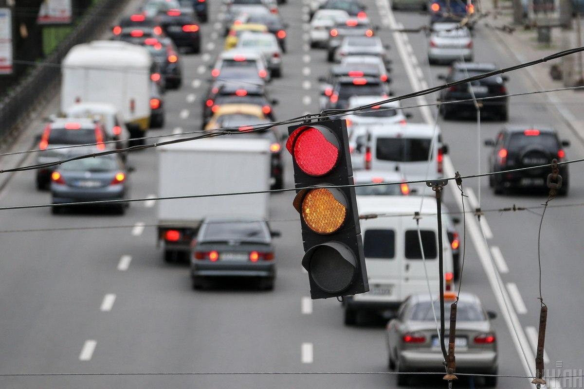 Ситуация на дорогах Киева утром в четверг, 22 апреля / фото УНИАН, Вячеслав Ратынский
