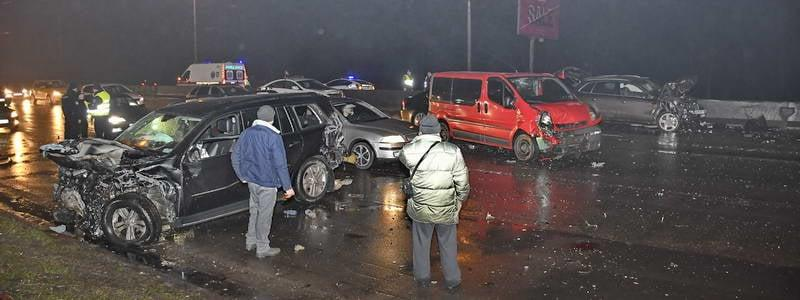 Нетверезий винуватець спровокував зіткнення із 4 автомобілями/ фото Інформатор